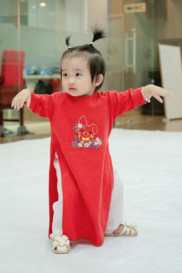 Dạy múa cho con gái 1 tuổi, Phan Hiển ngậm trái đắng vì ái nữ không thèm nhìn bố dù chỉ 1 giây-5