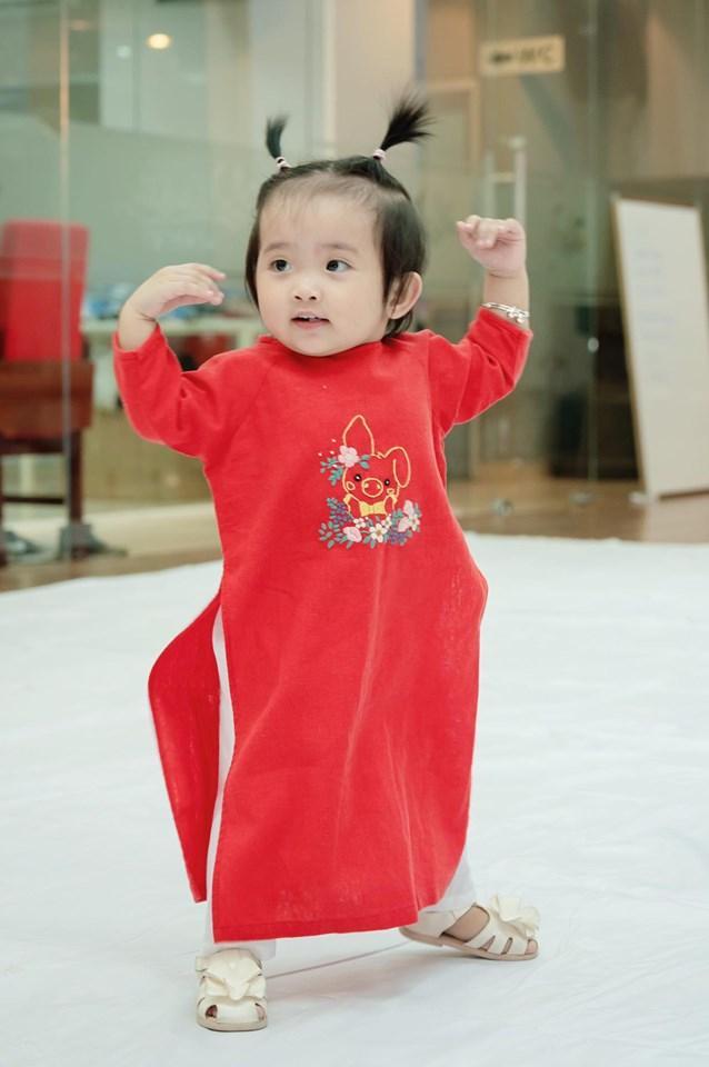 Dạy múa cho con gái 1 tuổi, Phan Hiển ngậm trái đắng vì ái nữ không thèm nhìn bố dù chỉ 1 giây-6