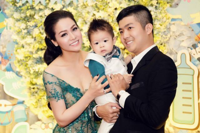 Tạm gạt đấu tố căng như dây đàn, Nhật Kim Anh và chồng cũ sánh đôi rạng rỡ mừng sinh nhật con trai-7