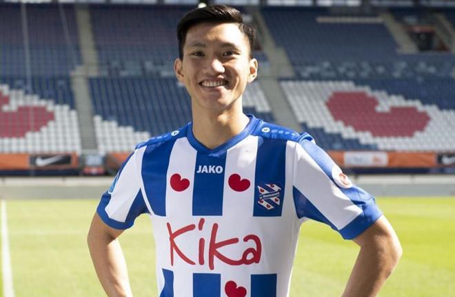 Fanpage CLB Heerenveen gọi tên Văn Hậu trước trận đấu-2