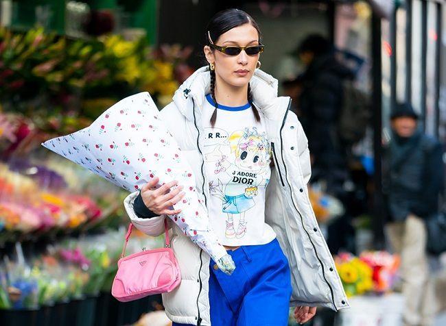 Ngọc Trinh bắt chước Kendall Jenner, Bella Hadid lăng xê kiểu túi vintage kẹp nách-3