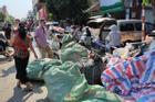 Hà Nội: Cháy chợ Tó ở Đông Anh, hàng trăm tiểu thương hoảng loạn sơ tán của cải