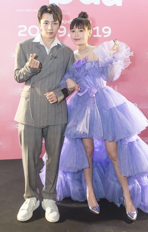 Linh Rin, Đoan Trang, Rihanna đều mặc xấu chỉ vì gam màu hồng sến sẩm-2