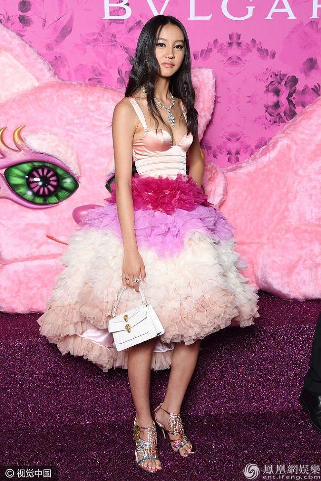 Linh Rin, Đoan Trang, Rihanna đều mặc xấu chỉ vì gam màu hồng sến sẩm-8
