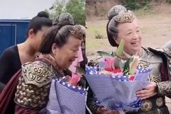'Dung ma ma' mặc áo giáp đóng phim ở tuổi 83
