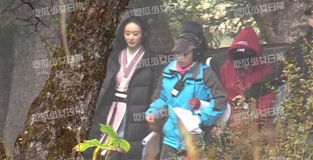 Triệu Lệ Dĩnh lộ nhan sắc già nua trên phim trường Hữu Phỉ-2