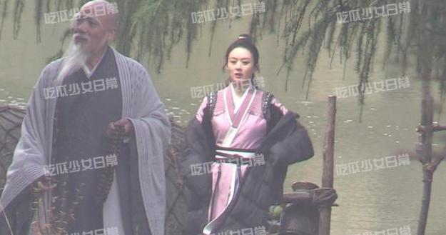 Triệu Lệ Dĩnh lộ nhan sắc già nua trên phim trường Hữu Phỉ-6
