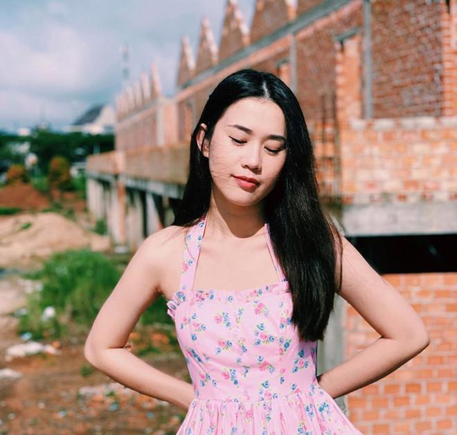 Lâm Á Hân công khai bạn trai mới, Phở Ngọc Thảo cạch mặt tình cũ-3