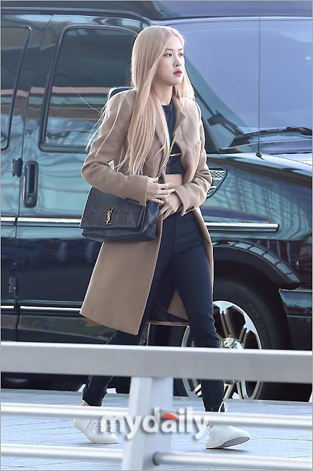 Rosé BlackPink, Suzy, Jessica... đọ thời trang sân bay siêu chất khi lên đường dự Paris Fashion Week-1