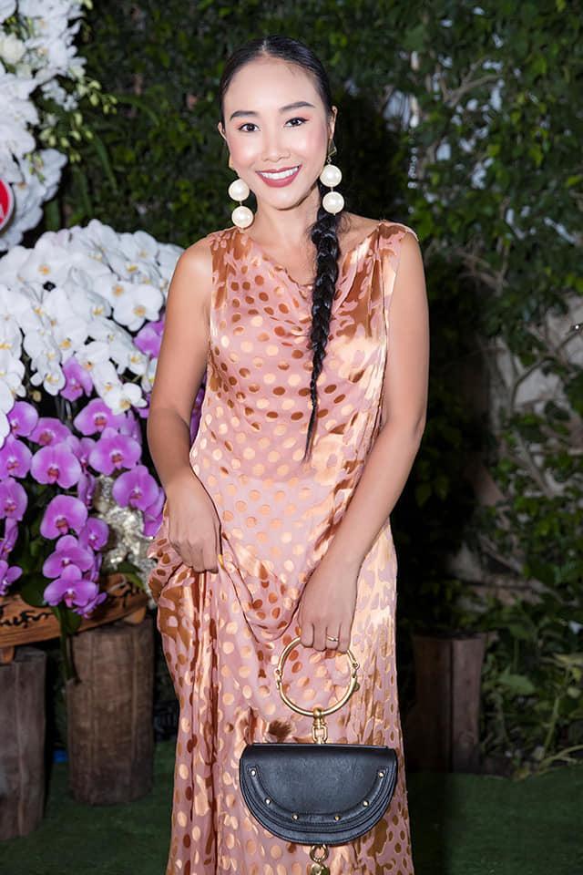 Linh Rin, Đoan Trang, Rihanna đều mặc xấu chỉ vì gam màu hồng sến sẩm-1