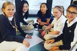 Con gái hở hàm ếch của Vương Phi theo học trường quý tộc ở Thụy Sĩ, học phí gần 3 tỷ/ năm