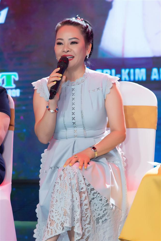 NSND Hồng Vân nói về hotgirl bán khỏa thân ở Hội An: Cô ấy đáng thương hơn đáng trách-5