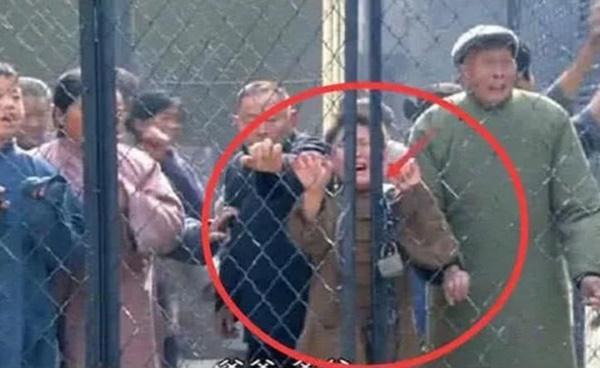 Những cảnh phim Trung Quốc bị lên án vì cẩu thả-12