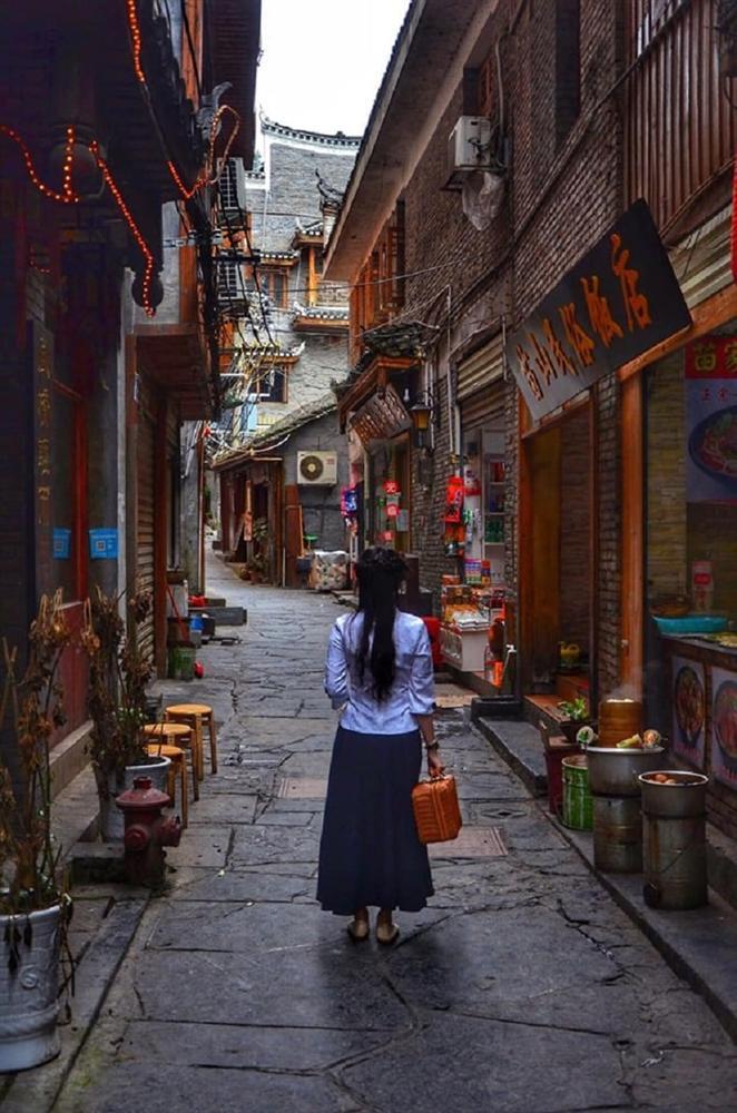 Ngưỡng mộ người chồng vì vợ mê cổ trang mà tình nguyện đưa vợ đi khắp Trung Quốc thực hiện bộ ảnh để đời-7