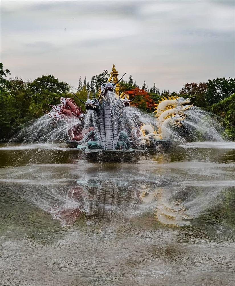 Thủy quái bao quanh ngôi đền trong thành cổ ở Thái Lan-4