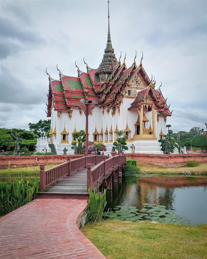 Thủy quái bao quanh ngôi đền trong thành cổ ở Thái Lan-6