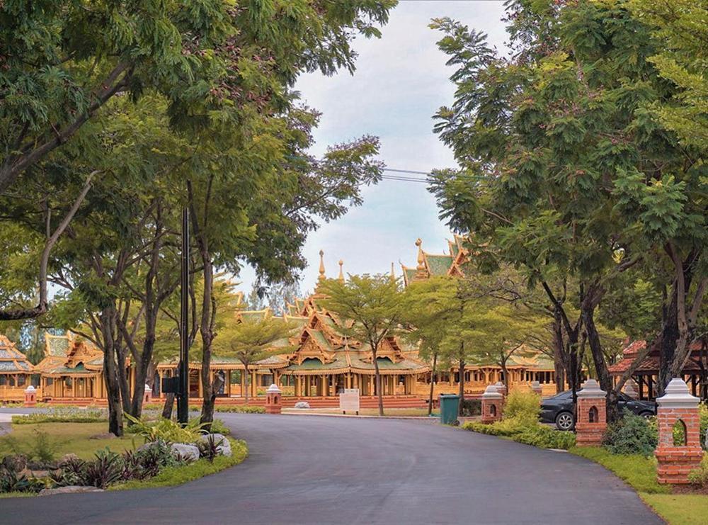 Thủy quái bao quanh ngôi đền trong thành cổ ở Thái Lan-7