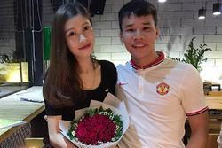 Bạn gái hậu vệ CLB Hà Nội: 'Làm vợ khó lắm, nhất là vợ cầu thủ'