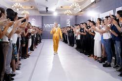 Nam Trung tái hiện màn nhào lộn thảm họa trên sàn catwalk của Minh Hằng