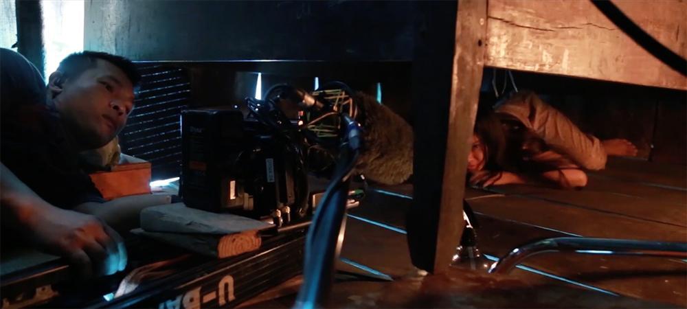 Phim kinh dị của Hoàng Yến Chibi tung clip hậu trường tràn ngập cảnh 18+-7