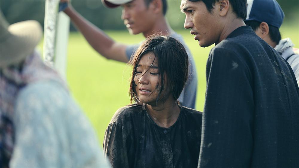 Phim kinh dị của Hoàng Yến Chibi tung clip hậu trường tràn ngập cảnh 18+-9