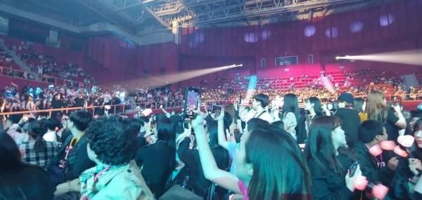 Fanmeeting của Black Pink trống huơ trống hoác, nhân viên YG lên tiếng: Lần đầu tiên gặp tình trạng này kể từ khi gia nhập công ty-1