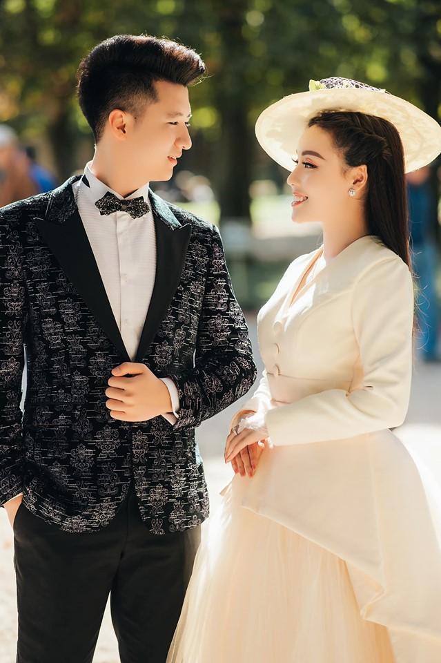 Khoe ảnh cưới chanh sả ở Pháp, nữ giảng viên đình đám MXH Việt làm người xem ngất lịm vì 3 vòng gợi cảm-7