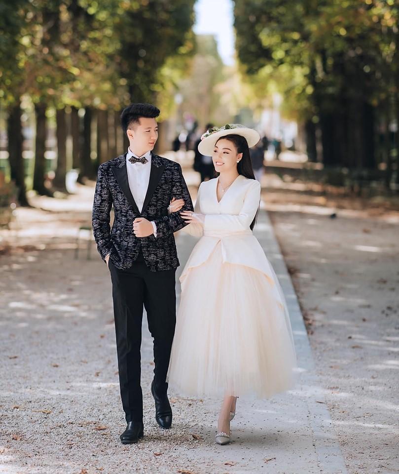 Khoe ảnh cưới chanh sả ở Pháp, nữ giảng viên đình đám MXH Việt làm người xem ngất lịm vì 3 vòng gợi cảm-8