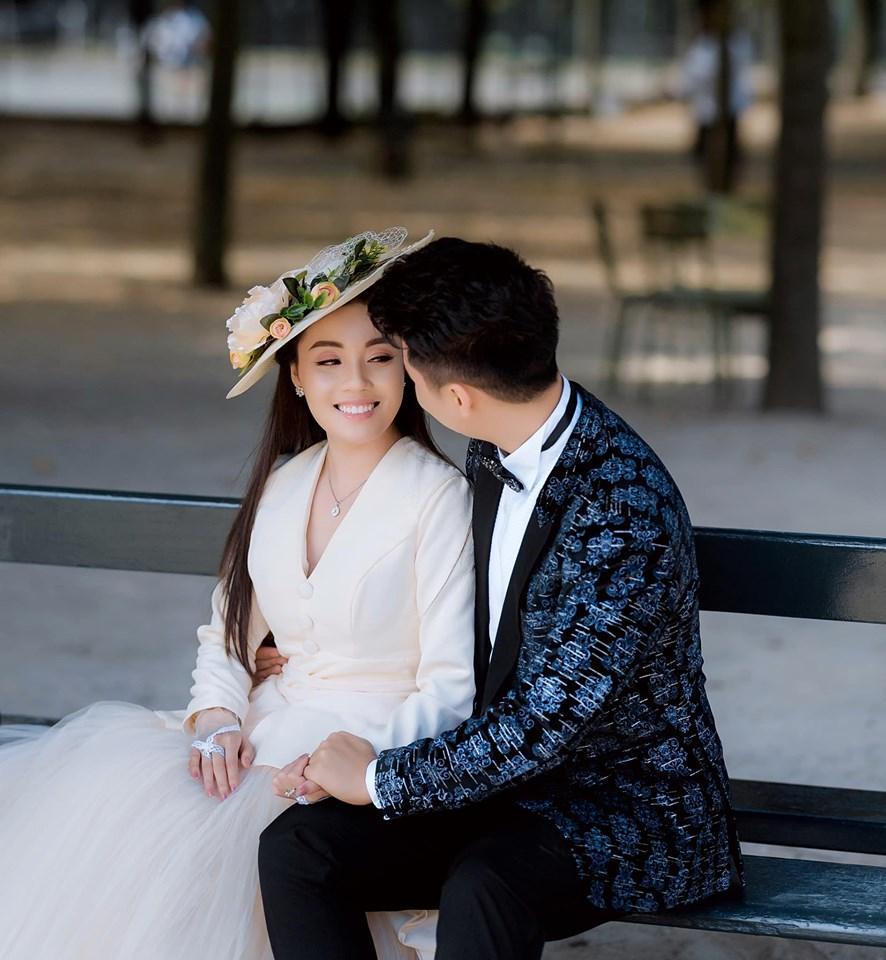 Khoe ảnh cưới chanh sả ở Pháp, nữ giảng viên đình đám MXH Việt làm người xem ngất lịm vì 3 vòng gợi cảm-10