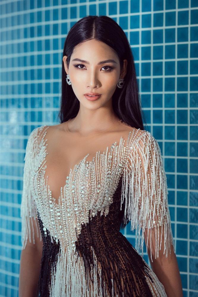 Hoàng Thùy và một loạt mỹ nhân đua nhau nâng ngực cấp tốc để thi Miss Universe 2019?-5