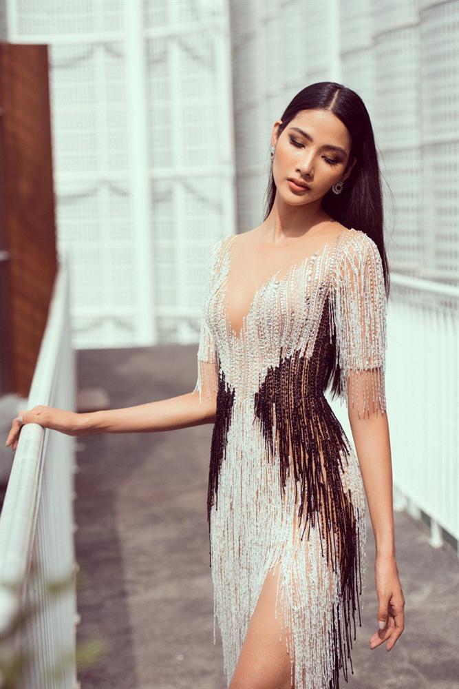 Hoàng Thùy và một loạt mỹ nhân đua nhau nâng ngực cấp tốc để thi Miss Universe 2019?-4