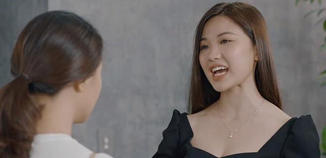 Trà tiểu tam ăn mặc gợi cảm thế nào trong Hoa hồng trên ngực trái?-2