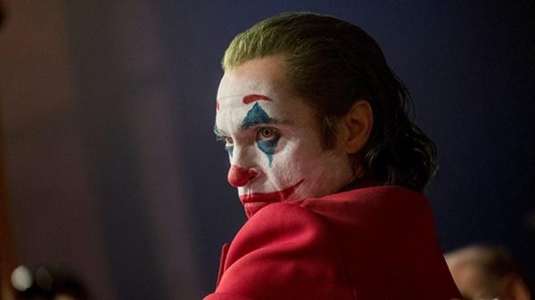 Loạt phim siêu anh hùng nổi tiếng bị gắn nhãn 17+-10