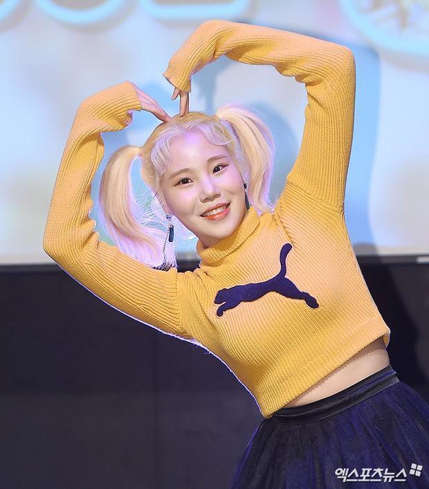 Nữ idol xấu nhất lịch sử Kpop khoe ảnh xinh hút hồn, Knet lập tức bóc mẽ: App sống ảo nào xịn thế?-2