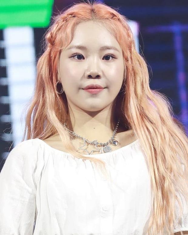 Nữ idol xấu nhất lịch sử Kpop khoe ảnh xinh hút hồn, Knet lập tức bóc mẽ: App sống ảo nào xịn thế?-7