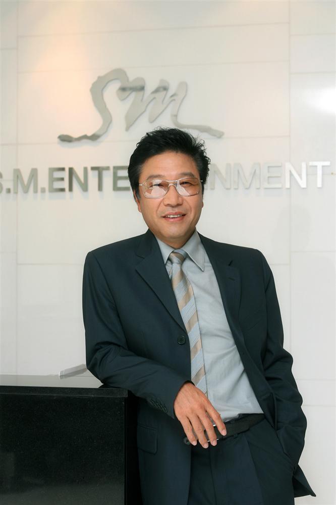 4 nhân vật quyền lực nhất ngành âm nhạc Hàn Quốc 50 năm qua là ai?-6