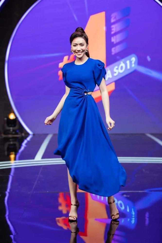 Diễn viên Mai Phương tái xuất rạng rỡ sau giai đoạn tử thần - Chi Pu khoe body đẹp như tạc với đầm cúp ngực-10
