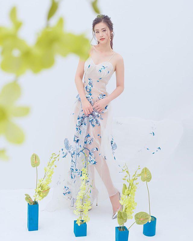 Diễn viên Mai Phương tái xuất rạng rỡ sau giai đoạn tử thần - Chi Pu khoe body đẹp như tạc với đầm cúp ngực-3