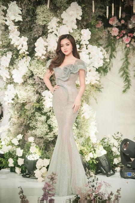 Diễn viên Mai Phương tái xuất rạng rỡ sau giai đoạn tử thần - Chi Pu khoe body đẹp như tạc với đầm cúp ngực-9