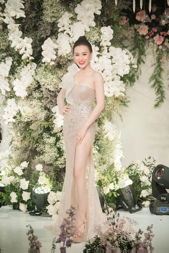 Diễn viên Mai Phương tái xuất rạng rỡ sau giai đoạn tử thần - Chi Pu khoe body đẹp như tạc với đầm cúp ngực-6