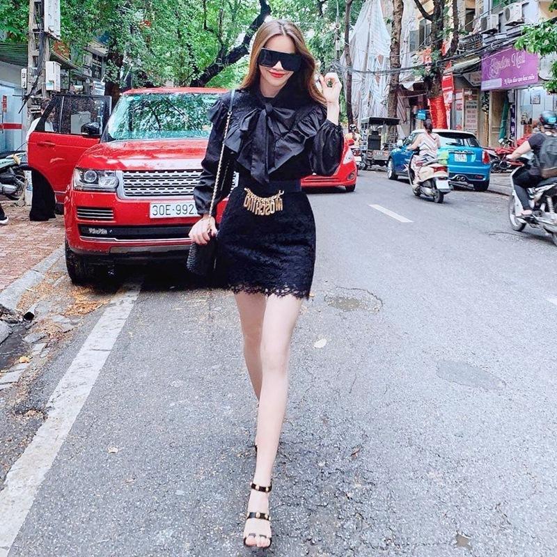 Hồ Ngọc Hà - Ngọc Trinh - Bảo Anh khoe street style không quên phô diễn cặp đùi mật ong trứ danh-1