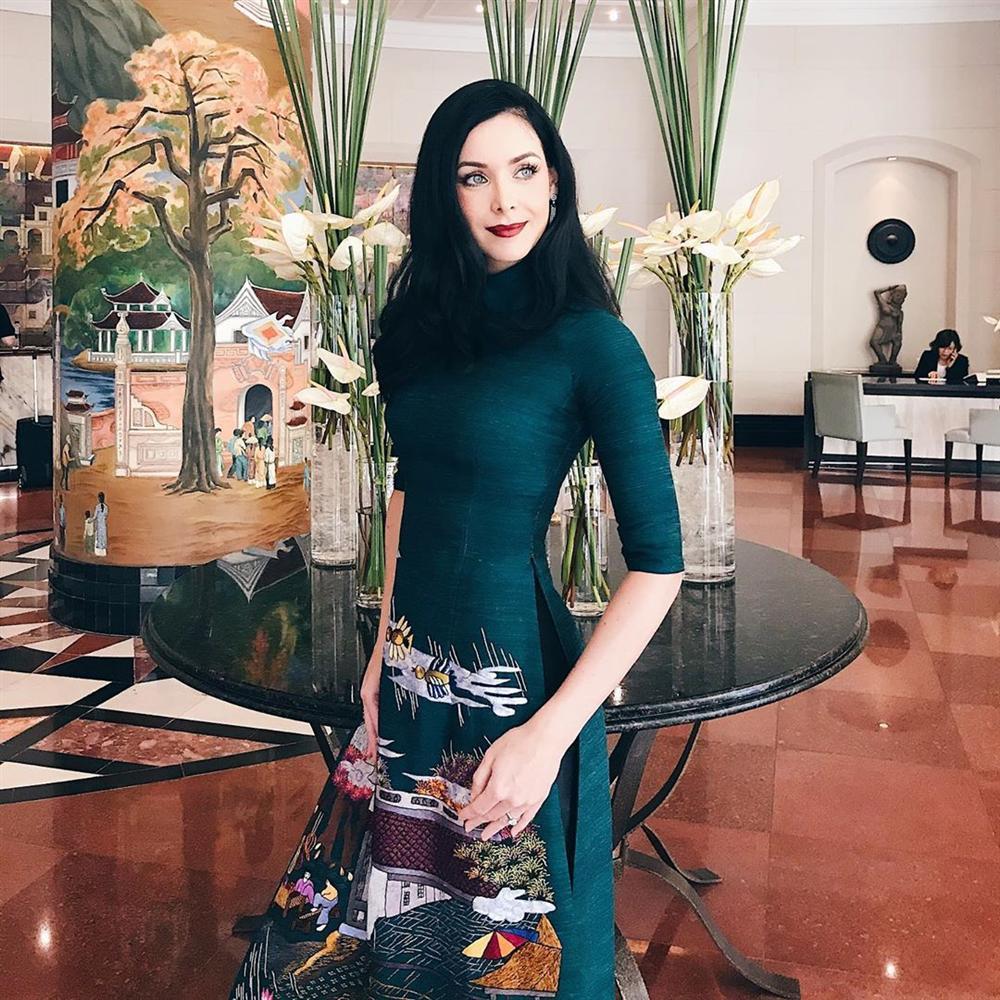 Bản tin Hoa hậu Hoàn vũ 27/9: HHen Niê khẳng định đẳng cấp best waist, khó mỹ nữ nào đủ trình so bì-9