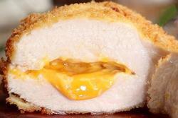 Thử tài nấu ăn với ức gà nhồi phô mai không lo béo