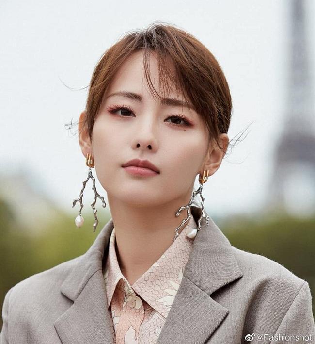 Quên Angelababy đi, mỹ nhân hai con Trương Gia Nghê mới là niềm tự hào châu Á tại Tuần lễ thời trang Paris-3