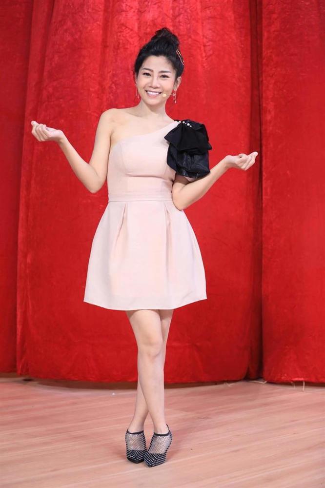 Diễn viên Mai Phương tái xuất rạng rỡ sau giai đoạn tử thần - Chi Pu khoe body đẹp như tạc với đầm cúp ngực-1