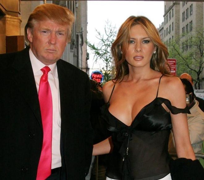 Bà Trump nhiều lần xuất hiện với trang phục gợi cảm-2