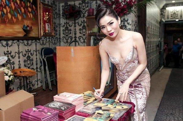 Cuộc sống khắc nghiệt của nghệ sĩ Việt tại Mỹ: Hát casino kiếm bạc cắc, đứng bán đĩa như... ở chợ-8