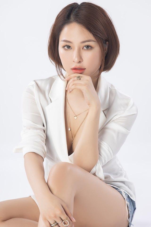 Hot girl Trâm Anh trở lại với phong cách sexy sau scandal tai tiếng-5