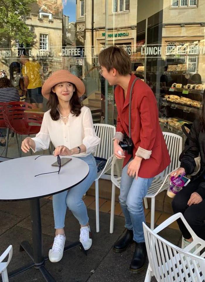 Cuộc sống của hot girl trà sữa Trung Quốc khi sang Anh du học-2