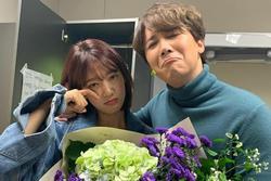 Park Shin Hye khoe ảnh nhắng nhít bên bạn thân 10 năm Lee Hong Ki